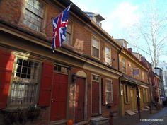 TURISCURIOSA EN USA: DÍA 10. PRINCETON Y FILADELFIA, LA CIUDAD QUE ME CONQUISTÓ. Elfreth's Alley, el barrio residencial más antiguo de EEUU.