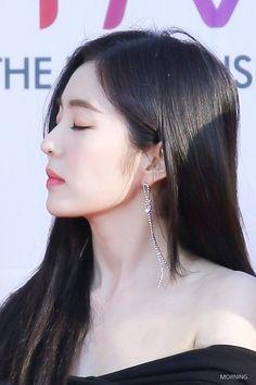 Irene Red Velvet, Red Velvet Seulgi, Mode Ulzzang, Ulzzang Girl, Kpop Girl Groups, Kpop Girls, Korean Girl, Asian Girl, Red Velet