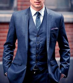 27 Unspoken Suit Rules That Every Man Should Know 11. A double button jacket is the best option for a more formal business look.