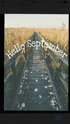 September is here already✌️ cannot wait for fall! My fav season ☕️