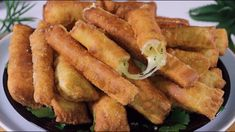 Finger Food Appetizers, Appetizer Recipes, Dessert Recipes, Aperitivos Finger Food, Cheap Easy Meals, Cheese Rolling, Beignets, Tostadas, Relleno