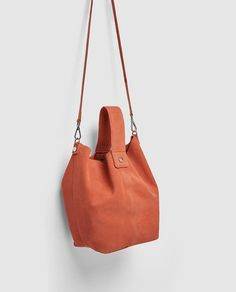 ZARA - NEW COLLECTION - LEATHER BUCKET BAG