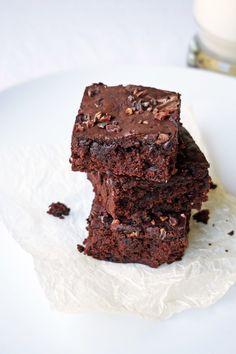 Vegan Aquafaba Brownies | REDHOTCENTRE