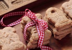 The best Christmas cookie recipes from around the world: Fabulous hostess gift ideas.