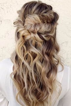 Amazing Half Up Half Down Wedding Hairstyles Ideas 01