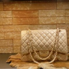 Chanel handbag jumbo (champagne) caviar