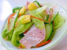 「おいしいフルーティーサラダを(^0^)」ちょっとお洒落なドレッシングでサラダを食べたい!そんな時にお勧めなのが、このドレッシングです。あっさりフルーティーなサラダをどうぞ(^0^)/【楽天レシピ】