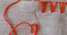 Outro ótimo pontinho pra quem não sabe fazer crochê, porque esse aqui também é feito com agulha comum... Dá pra enfeitar um monte de... Friendship Bracelets, Diy And Crafts, Embroidery, Sewing, Fashion, Other, Blanket Stitch, Towel Crafts, Sewing Needles