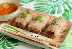 Vietnami húsos tavaszi tekercs recept képpel. Hozzávalók és az elkészítés részletes leírása. A vietnami húsos tavaszi tekercs elkészítési ideje: 25 perc Jamie Oliver, One Pot Meals, Fresh Rolls, Tapas, Vietnam, Curry, Mexican, Healthy Recipes, Meat