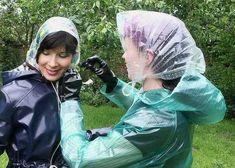 You must all way's tie your bonnet tight Vinyl Raincoat, Pvc Raincoat, Plastic Raincoat, Imper Pvc, Rain Bonnet, Plastic Mac, Rain Hat, Leather Mini Dress, Bronze