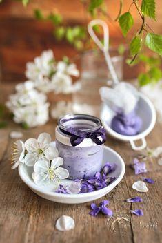 Maść fiołkowa - właściwości lecznicze - Zen w kuchni Small Garden Inspiration, Natural Beauty, Health And Beauty, Tableware, Nature, Zen, Spring Time, Blog, Decor