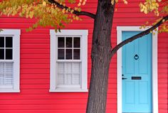 https://flic.kr/p/DRtnz | Red House | A house in autumn in the Fells Point neighborhood of Baltimore, Maryland.