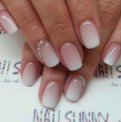Cute nail gradient | ko-te.com by @evatornado |