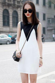 Black And White Shift Dress.  women's fashion.  career dress.