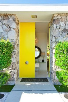 Front Door Paint Colors - Want a quick makeover? Paint your front door a different color. Here a pretty front door color ideas to improve your home's curb appeal and add more style! Yellow Front Doors, Modern Front Door, Front Door Design, Modern Entrance, Entrance Design, Grand Entrance, Palm Springs, Exterior Design, Interior And Exterior