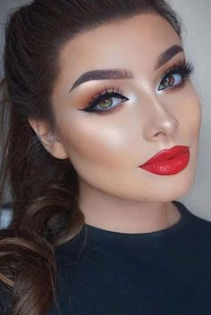 21 MAKEUP IDEAS FOR SAINT VALENTINE Need new make-up ideas to celebrate Valentine's Day? So you are in the right place! Our team has prepared for you, ladies, a surprise: a photo gallery. Make up Wedding Makeup Tips, Wedding Makeup Looks, Prom Makeup, Bridesmaid Makeup, Flapper Makeup, Makeup 2018, Hair Wedding, Perfect Makeup, Gorgeous Makeup