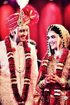 Genelia wore a custom designed Neeta Lulla lehnga for the couple's traditional Maharashtrian wedding.