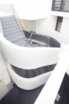 Business Incubator,© Julien Attard Central atrium and stair
