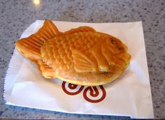 I first saw taiyaki in Tactics! Ya need to watch it people! Japanese Snacks, Waffles, Recipies, Food And Drink, Cooking, Breakfast, Desserts, Watch, People