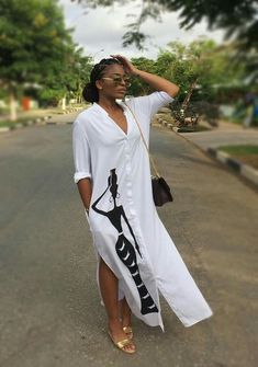 Editor s style picks afro inspired black and white looks zenmagazine for more visit www zenmagazineafrica com modelled by fiu negru African Attire, African Wear, African Women, African Dress, African Print Fashion, African Fashion Dresses, Chic Outfits, Fashion Outfits, Womens Fashion
