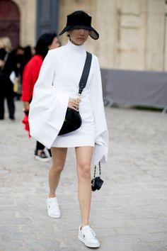 Paris Fashion Week Fall 2017 Street Style Day 4 - The Impression