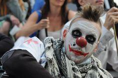 © Nathanaël Charbonnier.  14 juillet 2011. Paris, place de la Bastille. Première manifestation nationale des indignés.