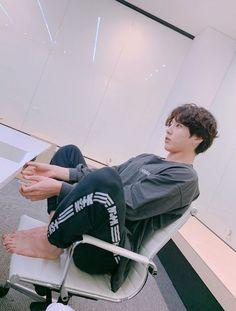Foto Jungkook, Foto Bts, Jungkook Cute, Bts Bangtan Boy, Jhope Bts, Busan, Seokjin, Hoseok, Bangtan Twitter