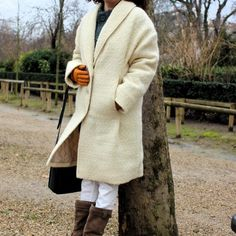 A white coat - In the mood for Couture Warm Coat, Stay Warm, Put On, Sewing Tutorials, Upcycle, Mood, Couture, Pure Products, Winter