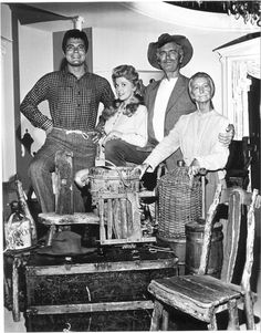 Beverly Hillbillies Jed Granny Jethro Elly May TV Picture Poster 24X36 NEW  BEVH