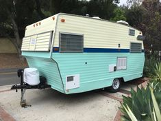 Vintage Camper Trailers For Sale. If you are looking to buy a vintage trailer, RV or tow vehicle you have found the right place! Vintage Motorhome, Vintage Rv, Vintage Campers Trailers, Retro Campers, Camper Trailers, Vintage Style, Enclosed Trailer Camper, Camper Trailer For Sale, Campers For Sale