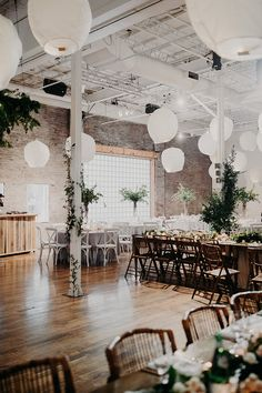 Any wedding inspired by an enchanted forest is alright by us, and this one from Scarlet O'Neill, Lustre Events, and Patchouli Design does a fantastic job of bringing that forest indoors for a rainy day Canadian wedding. Lindsay and Justin wanted their guests to feel transported into a botanical world, and there's no doubt in …