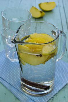 Cinco Quartos de Laranja: Água aromatizada com maçã, cravinho e canela
