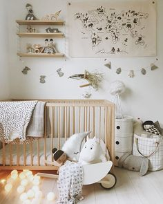 So putting together a calm minimal look is actually a million times more time co. So putting toget Modern Nursery Decor, Nursery Wall Decor, Nursery Neutral, Nursery Design, Girl Nursery, Boys Room Decor, Kids Decor, Kids Bedroom, Swimming Lessons For Kids