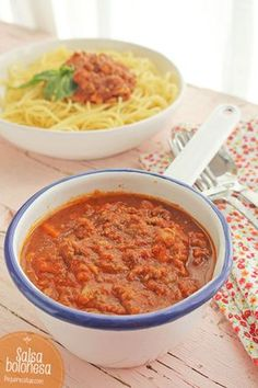 salsa boloñesa Pesto, Cheeseburger Chowder, Macaroni And Cheese, Chili, Meat Lasagna, Homemade Tomato Ketchup, Bolognese Sauce, Vegetable Pie, Dips