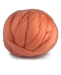 Merino wool roving 19 microns superfine, Colour: Rouge
