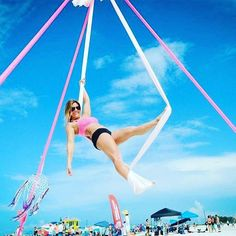 Dreaming of beach aerial yoga classes.... @yoga_hangout SRQ ☀️ #staytuned #goddess #aerialyoga #retreat #comingsoon