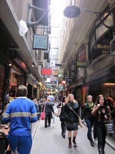 Melbourne laneway. Image credit: 880 Cities