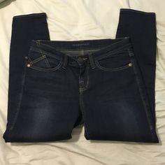 """Rock  & Republic Kasmiere crop Skinny jeans size 6 """" kasmiere crop """" style . True to size . Inseam 25 Great condition Rock & Republic Pants Skinny"""