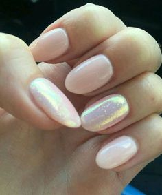 New Charming Oval Nail Art Designs to Look Pretty