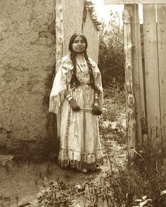A Taos Pueblo woman in a buckskin wedding dress. Photo by Carl Moon. Native American Face Paint, Native American Children, Native American Wisdom, Native American Pictures, Native American Tribes, Native American History, American Indians, American Symbols, Indian Tribes