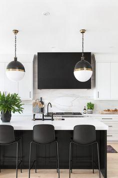 Eclectic Kitchen, Condo Kitchen, Kitchen On A Budget, Modern Kitchen Design, Home Decor Kitchen, Interior Design Kitchen, Diy Kitchen, Home Kitchens, Kitchen Ideas
