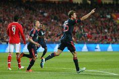 @FCBayern Nach dem Seitenwechsel erhöhte Thomas Müller mit seinem achten #ChampionsLeague-Tor in dieser Saison auf 2:1 und sorgte für die Vorentscheidung im Kampf ums Weiterkommen #9ine