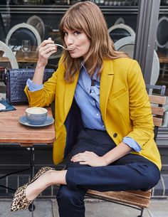 7 French Women Share How to Look Chic During Cold-Weather Season Source by fashion blazer chic Winter Outfits, Casual Outfits, Fashion Outfits, Yellow Blazer Outfits, Yellow Jacket Outfit, Blazer Outfits For Women, Women Blazer, Preppy Dresses, Work Outfits