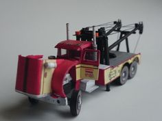 This vehicle paper model is aPeterblit 359 Wrecker,the first wide-nosed conventional for Peterbilt, the papercraft is created by Minimodel, and the scale