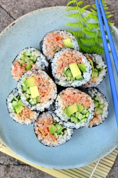 You won't believe how well this vegan tuna mimics the real deal! Stuff it into sushi rolls or into s Vegetarian Sushi Rolls, Veggie Sushi, Vegetarian Meals, Vegan Dinners, Sushi Sushi, Healthy Food Recipes, Vegan Foods, Vegan Recipes, Vegan Art