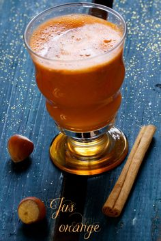 Jus orange : pomme, carotte, cannelle & noisette... ! / #naturopathie - Chaudron Pastel