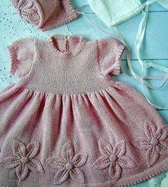 Pembe örgü çocuk elbise