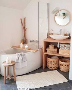 [I love this interior design! It's a great idea for home decor. Home design. – Lena Albrecht I love this interior design! It's a great idea for home decor. Home design. I love this interior design! It's a great idea for home decor. Home design. Bad Inspiration, Bathroom Inspiration, Home Decor Inspiration, Decor Ideas, Decorating On A Budget, Diy Ideas, Bathroom Bath, Modern Bathroom, Bathroom Ideas