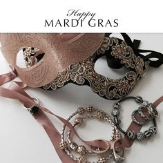 Happy Mardi Gras! Do you have any Carnival traditions? #FatTuesday #PANDORAloves #Masks #PANDORAbracelet #PANDORAring