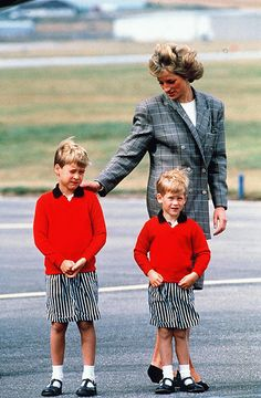♔Brothers♔Prince Harry♔Prince William and Diana
